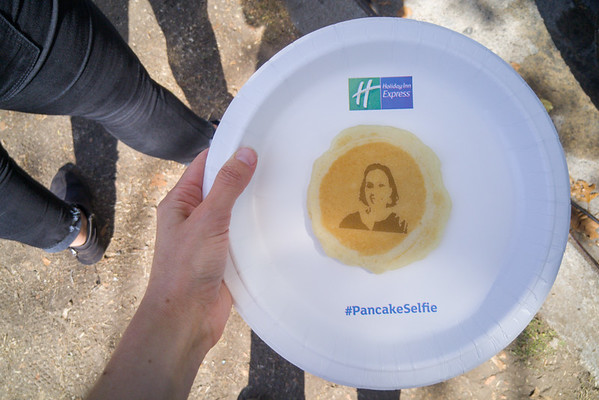 My face... on a pancake? The Holiday Inn Express Pancake Selfie Truck