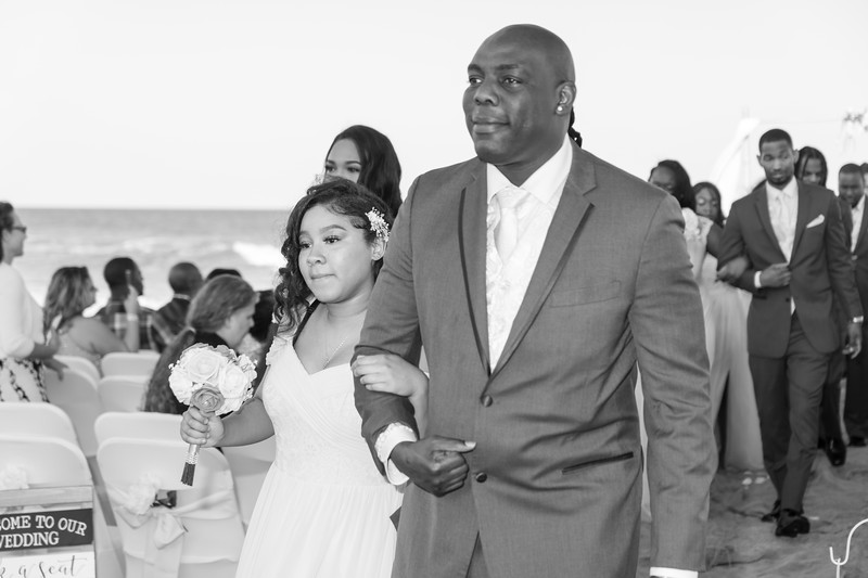 VBWC STAR 10122019 Wedding #128 (C) Robert Hamm.jpg