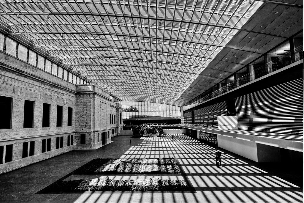 8/30/12<br /> <br /> atrium at the Cleveland Museum of Art