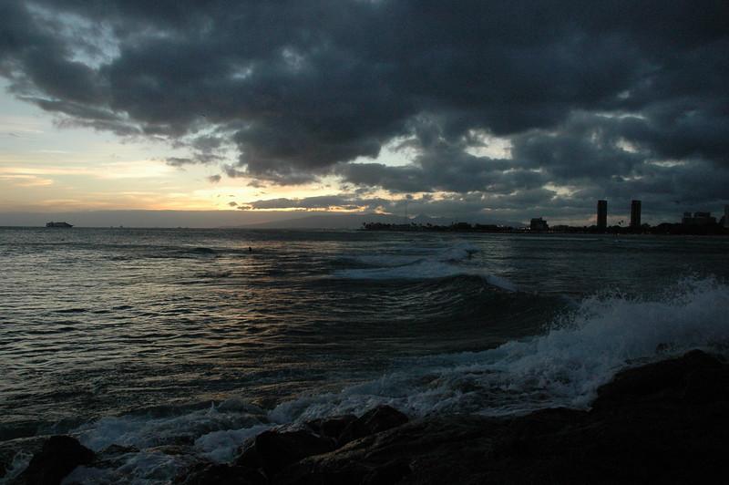 Hawaii - Ala Moana Beach Sunset-111.JPG