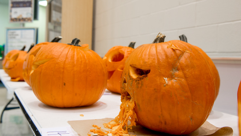 The pumpkin Jack o' Lantern is exhibited right on the entrance of Dugan Wellness Center for the incomming Halloween.