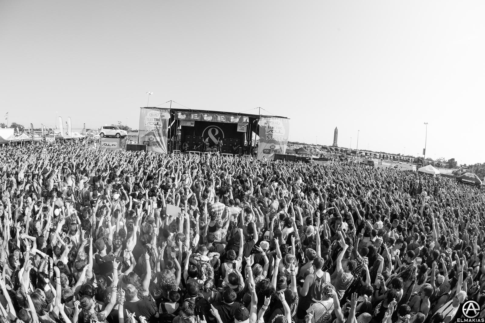 Of Mice & Men crowd at Warped Tour