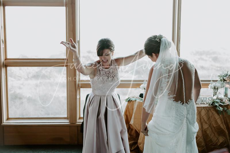des_and_justin_wedding-2038-4.jpg