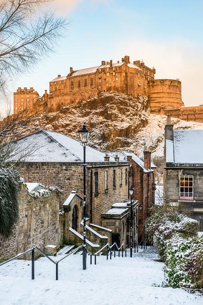 Edinburgh Castle from the Vennel in Winter