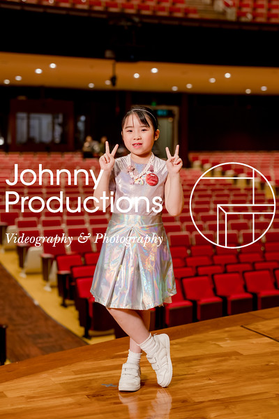 0082_day 1_orange & green shield portraits_red show 2019_johnnyproductions.jpg