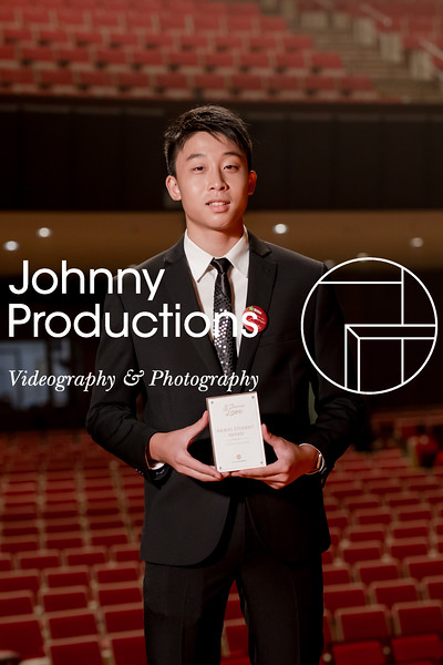 0063_day 1_award_red show 2019_johnnyproductions.jpg