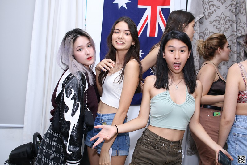 graduation-party-class-of-2021-instant-print-photo-booth-in-ho-chi-minh-Chup-hinh-in-anh-lay-lien-Tiec-Tot-Nghiep-2021-WefieBox-Photobooth-Vietnam-cho-thue-photo-booth-076.jpg