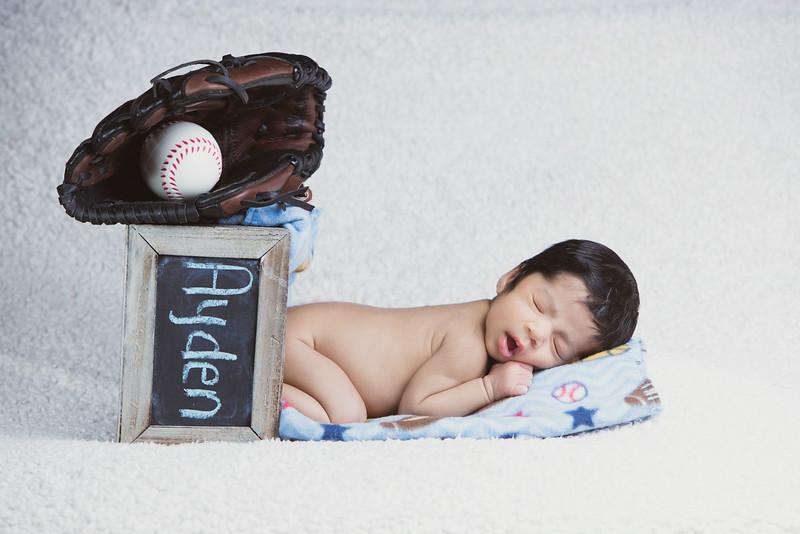 baby-ayden-new-born-portrait_0056.jpg