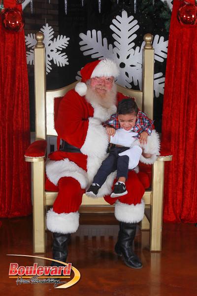 Santa 12-17-16-220.jpg