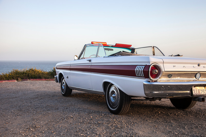 64 Ford Falcon conv white 107.jpg