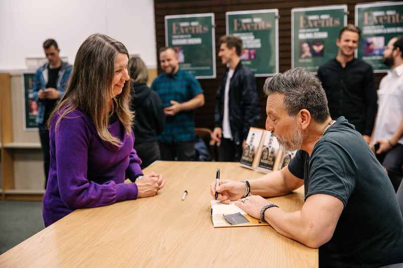 2019_2_28_TWOTW_BookSigning_SP_323.jpg