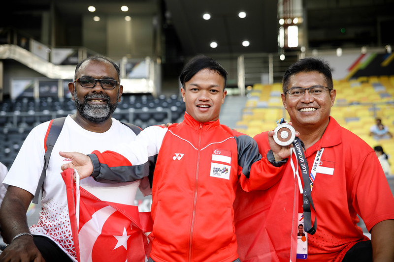 PARA ATHLETICS - MUHAMMAD DIROY BIN NORDIN with his support staffs during the victory ceremony  in Men Shotput Finals (F40/41)  at Bukit Jalil National Stadium, KL on September 21th, 2017 (Photo by Sanketa Anand)