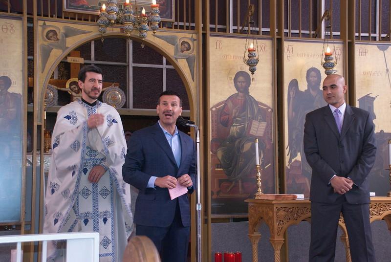 2011-04-10-Check-Presentation-in-Church_004.jpg