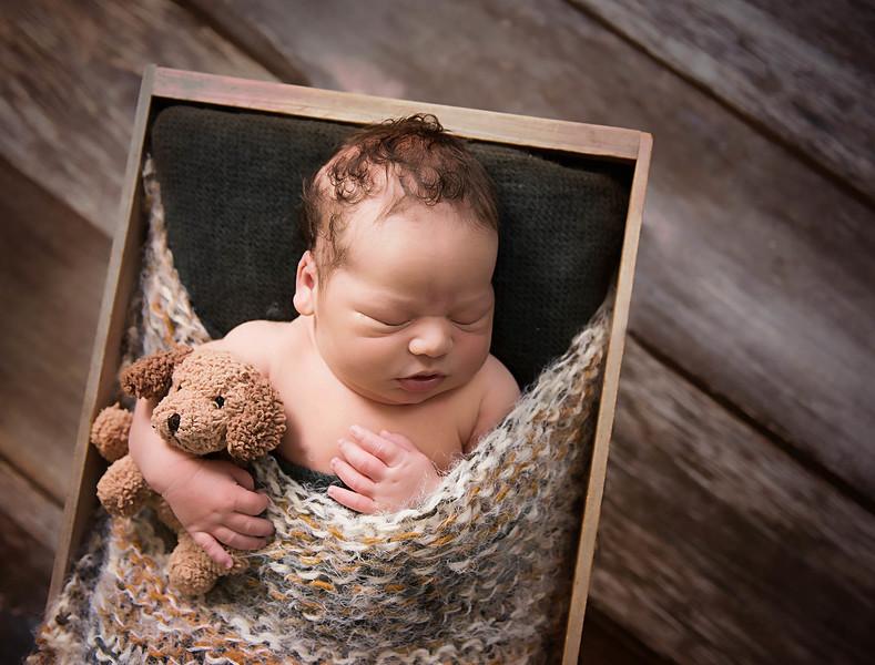 newborn pictures marion cedar rapids iowa 143.jpg
