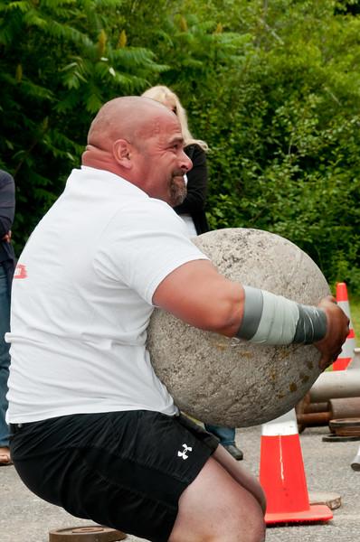 Fitness Revolution Strongman Challenge 2011_ERF4420.jpg