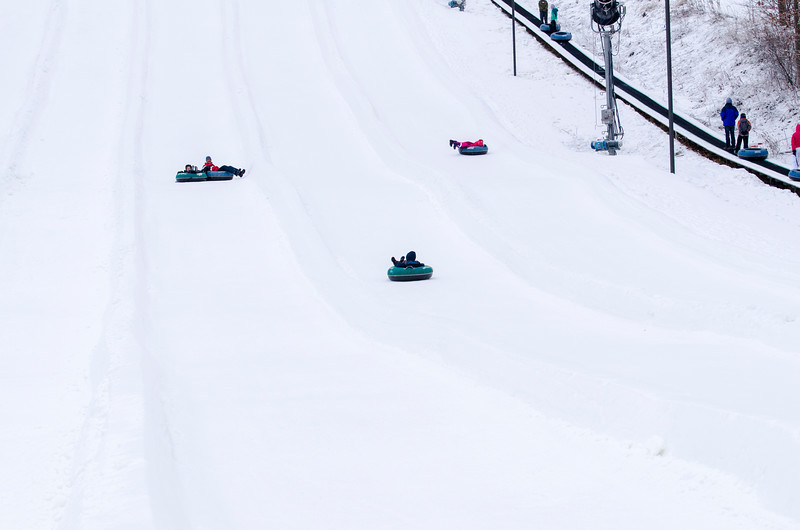 Opening-Day-Tubing-2014_Snow-Trails-70971.jpg