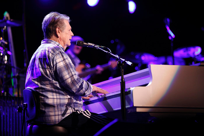 . Brian Wilson at the Fox Theatre in Detroit on Friday, Oct. 25, 2013. Photo by Ken Settle