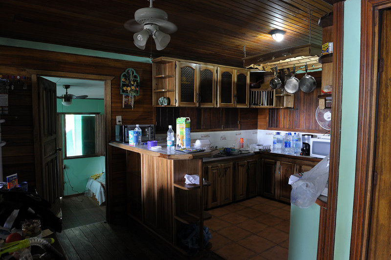costa_rica_lodge_kitchen.jpg