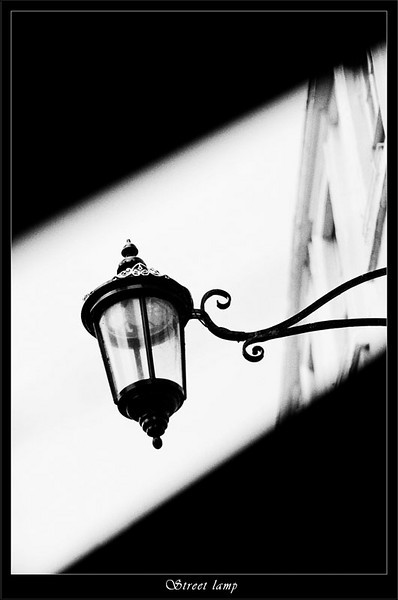 Bath street lamp viewed through an awning (80360318).jpg