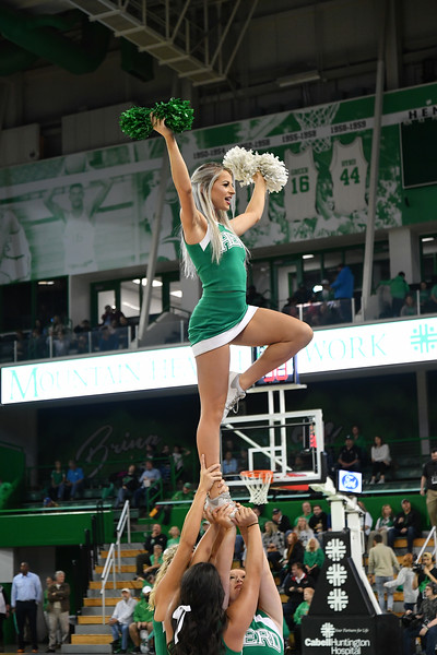 cheerleaders6740.jpg