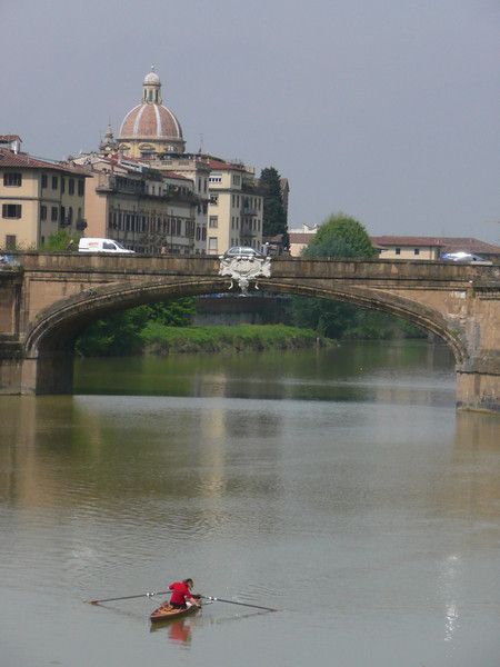 Arno River, Florence, Italy f0482411,