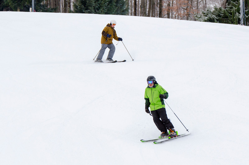 Opening-Day-Slopes-2014_Snow-Trails-70910.jpg