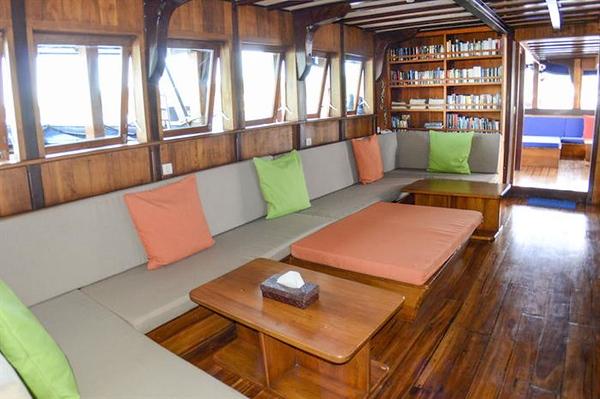 Lounge.jpg