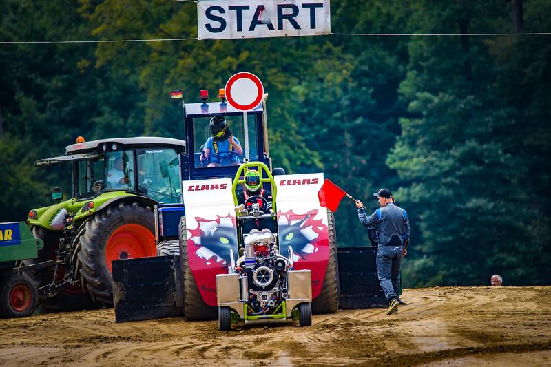 Tractor Pulling 2015 BZ-02346.jpg