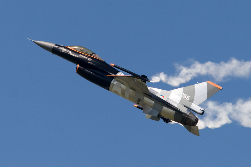 F-16 demo. J-055. Royal Netherlands Air Force.