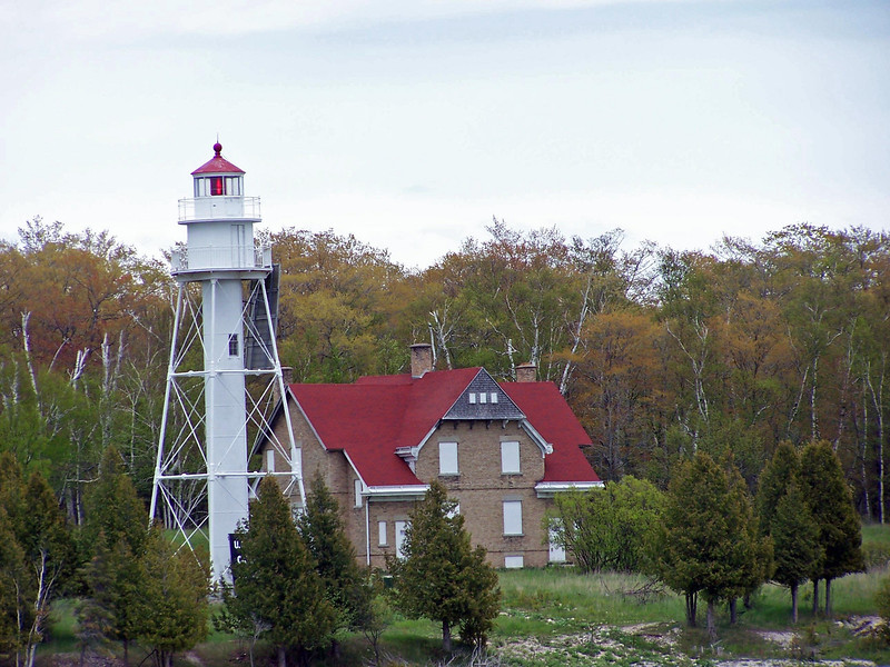 Plum island rear range light and keeper's quarters