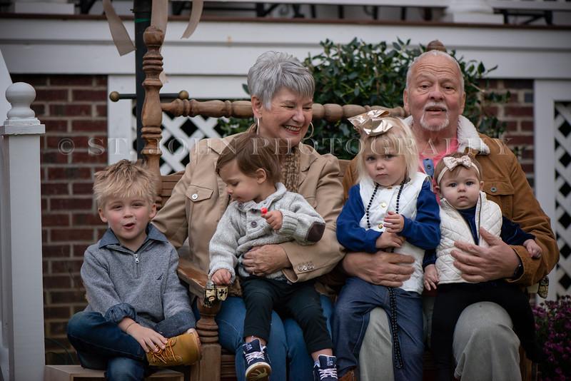 2019 November Ellis Family-259-130.jpg