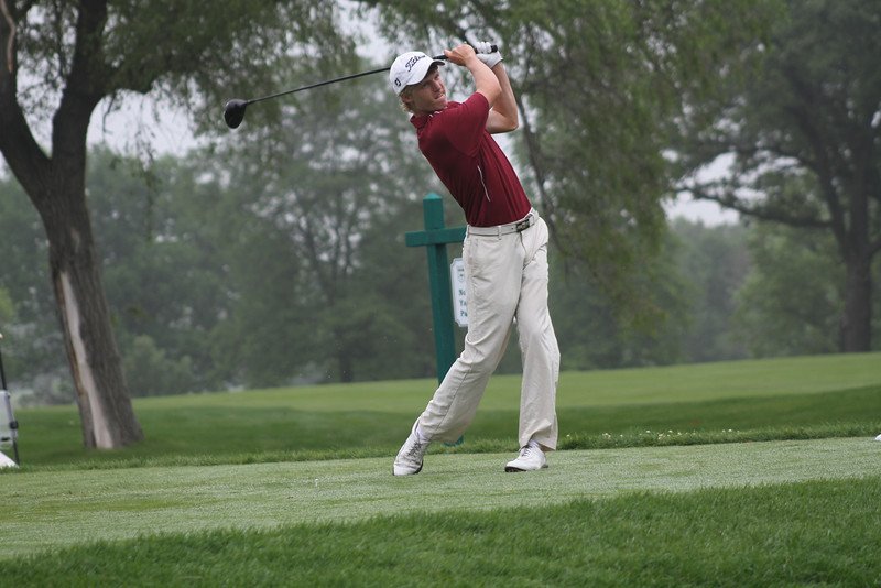Bradley Knox of Menlo Park, California hits a tee shot off no. 10 during the third round of the 2014 Western Junior Championship.