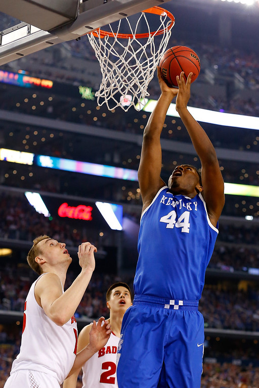 . ARLINGTON, TX - APRIL 05: Dakari Johnson #44 of the Kentucky Wildcats goes up for a basket against the Wisconsin Badgers during the NCAA Men\'s Final Four Semifinal at AT&T Stadium on April 5, 2014 in Arlington, Texas.  (Photo by Tom Pennington/Getty Images)