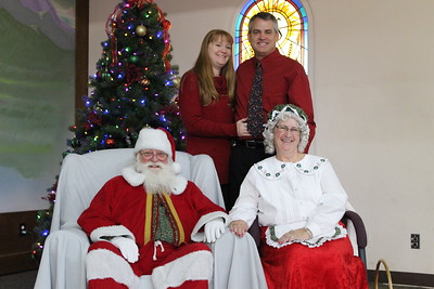 Pictures with Santa and Mrs. Claus 2015