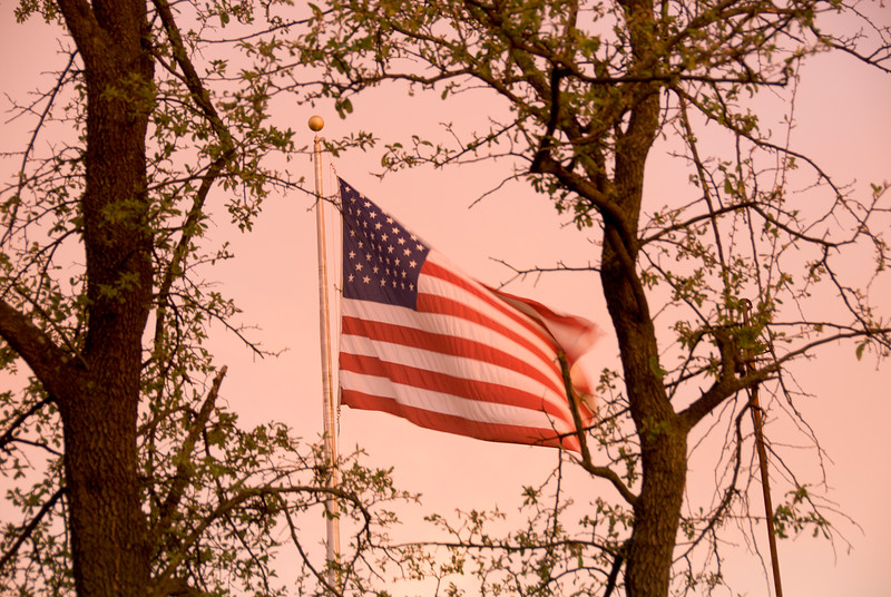 04 Sunset 05-04-07 (flag).jpg