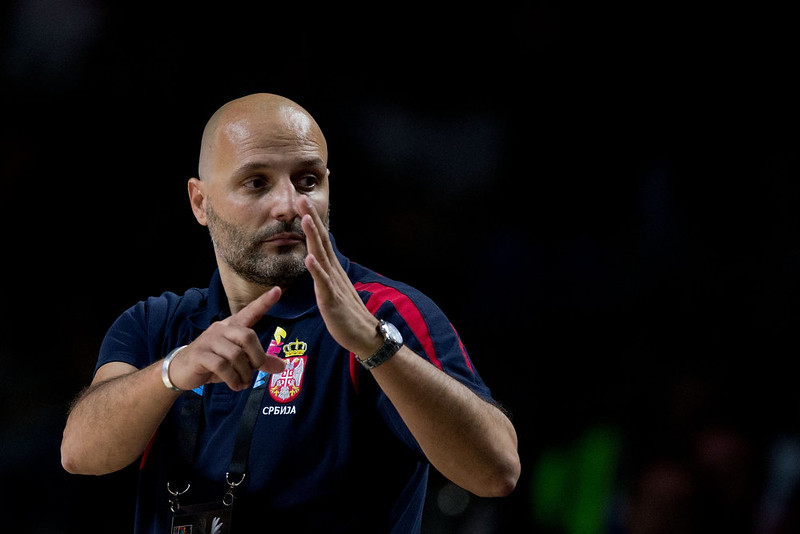 . Head coach Sasha Djordjevic of Serbia asks for a time break during the 2014 FIBA World Basketball Championship final match between USA and Serbia at Palacio de los Deportes on September 14, 2014 in Madrid, Spain. (Photo by Gonzalo Arroyo Moreno/Getty Images)