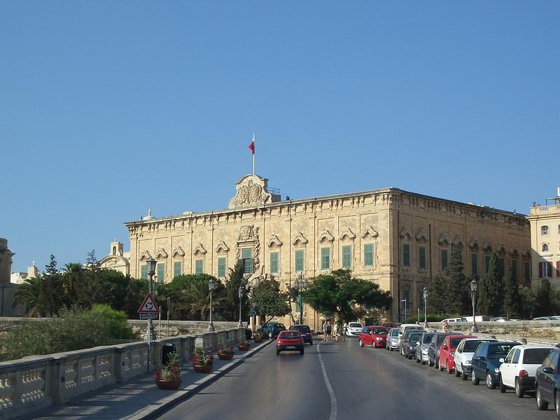 Malta Valletta 13 Auberge de Castile.JPG