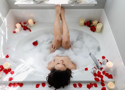 Tub & Shower Boudoir