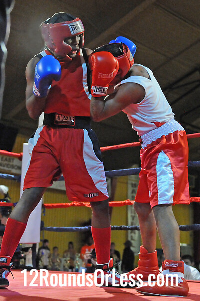 Bout 3 Lavelle Hadley, South Side BC -vs- Cassius Foster, Old School Boxing-152 lbs, Open