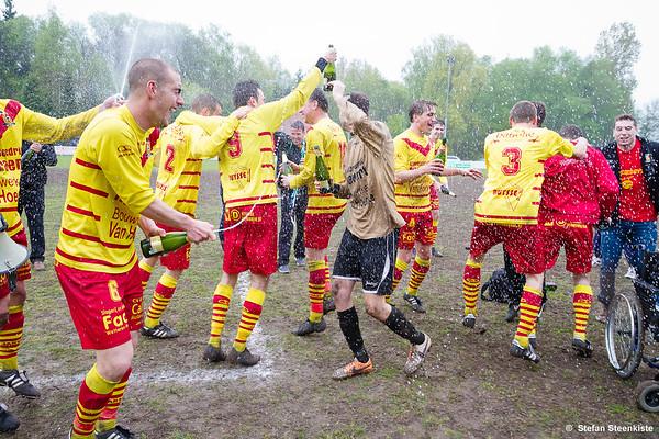 Champagne Kampioenenviering Eerste Elftal 2014-2015
