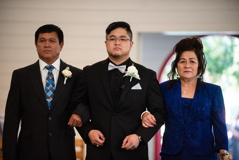 Kaitlin_and_Linden_Wedding_Ceremony-9.jpg
