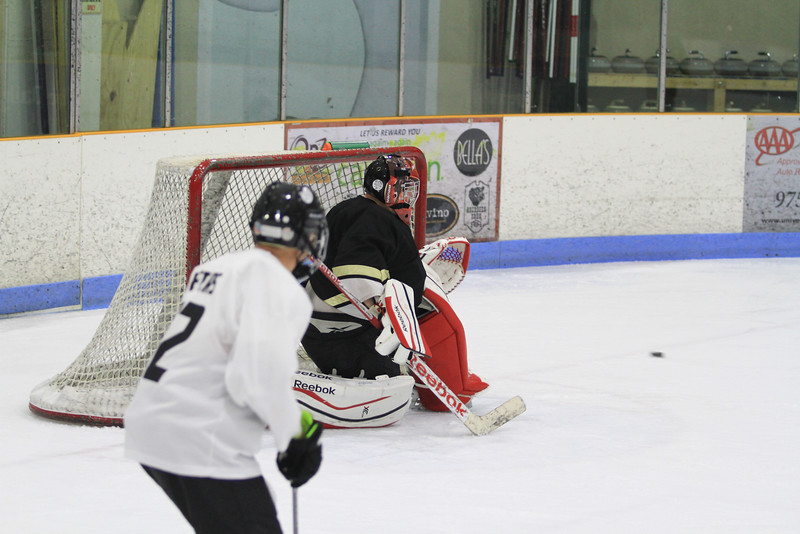 Memorial Hockey Game-119.jpg