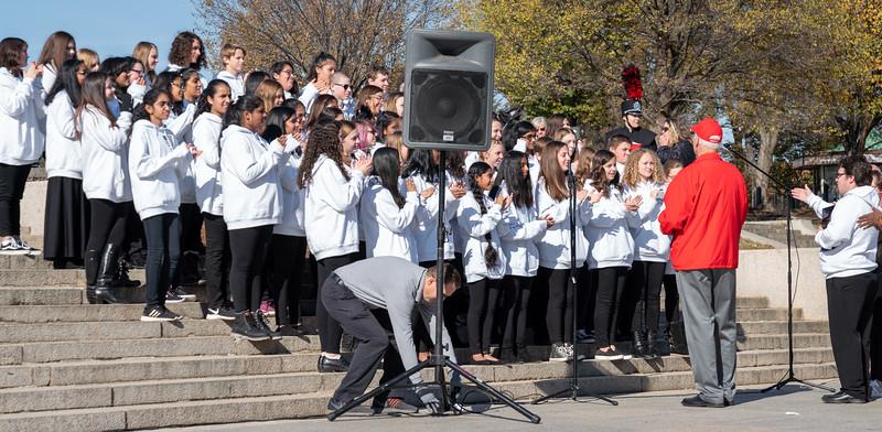 Dave greets the Lakeside MS Chorus
