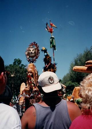 Dave Louie Fam Disneyland 7.1994