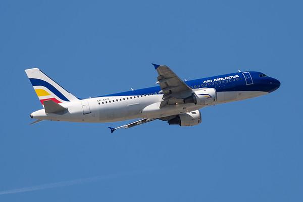 ER-AXV - Airbus A320-211
