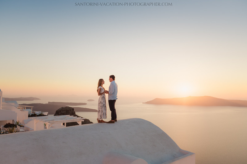 santorini-sunset-photo-session-vacation-photographer--6.jpg
