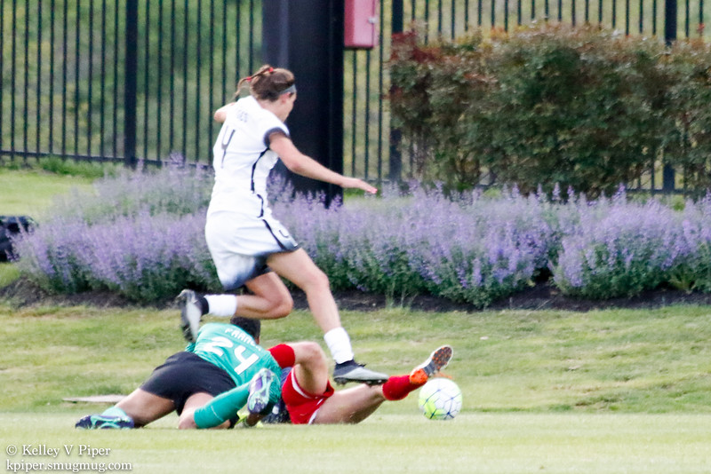 Emily Menges, Adrianna Franch and Cali Farquharson - 1st Half (07 May 2016)