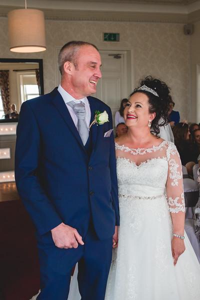 Mr & Mrs Wallington-277.jpg
