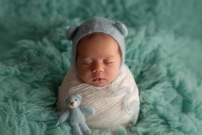 Gloria • Newborn