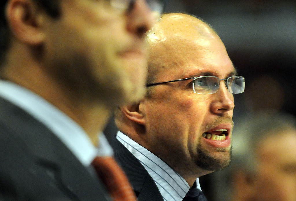 . Minnesota Wild head coach Mike Yeo during the second period. (Pioneer Press: Ben Garvin)